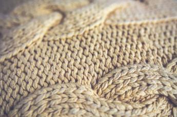 Как постирать вязаную вещь чтобы она села