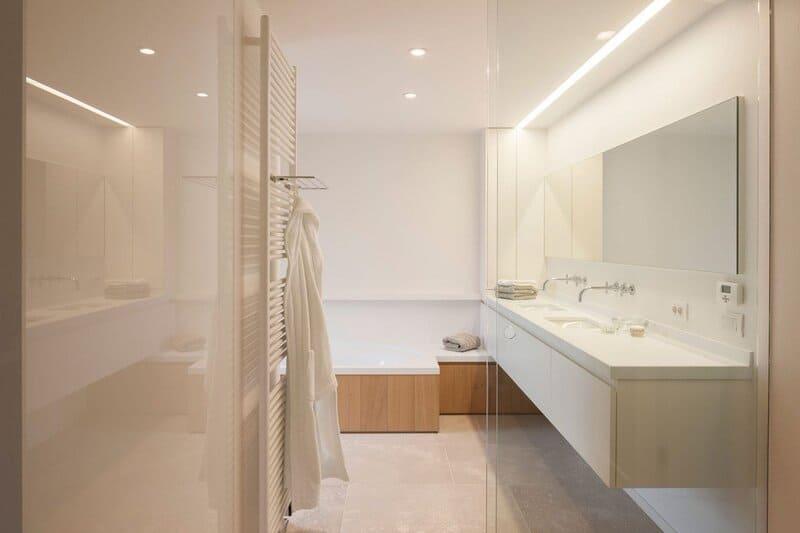 Светодиодные светильники в ванной комнате